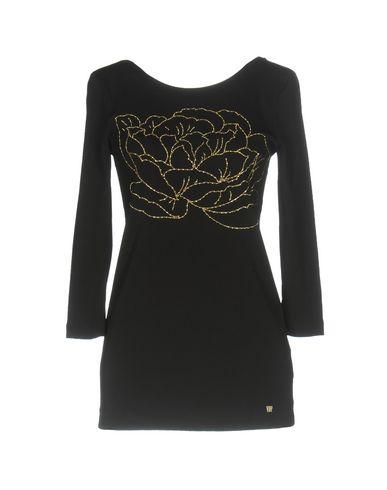 Фото - Женскую футболку VDP COLLECTION черного цвета