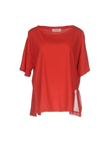 Фото - Женскую футболку JUCCA красного цвета