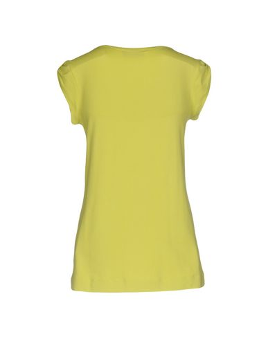 Фото 2 - Женскую футболку VDP CLUB кислотно-зеленого цвета