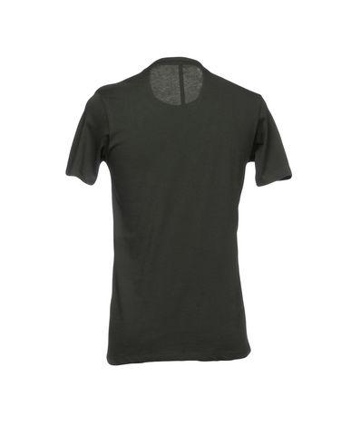 Фото 2 - Женскую футболку  темно-зеленого цвета
