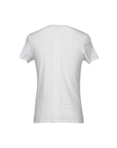 Фото 2 - Женскую футболку LES BENJAMINS белого цвета