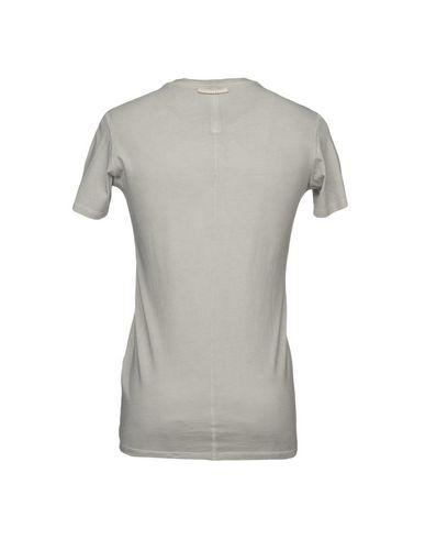 Фото 2 - Женскую футболку  светло-серого цвета