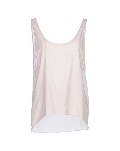 Купить Женскую футболку CIRCUS HOTEL розового цвета