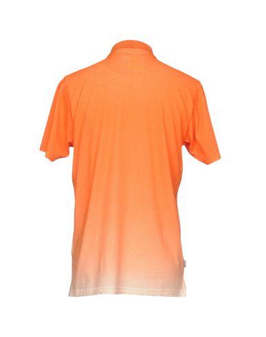 Фото 2 - Мужское поло  оранжевого цвета