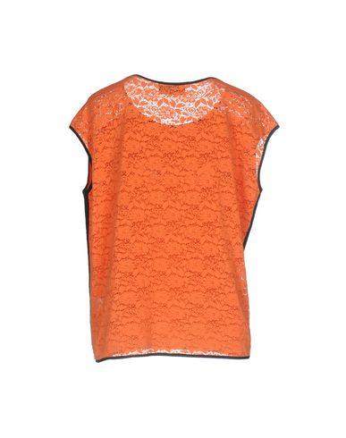 Фото 2 - Женскую футболку VDP CLUB оранжевого цвета