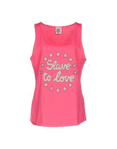 Фото - Женскую футболку FOLLOW US цвета фуксия