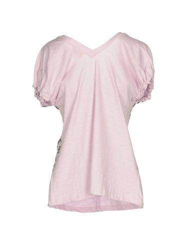 Фото 2 - Женскую футболку  сиреневого цвета