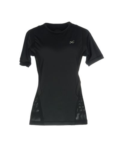 Фото - Женскую футболку CW-X черного цвета