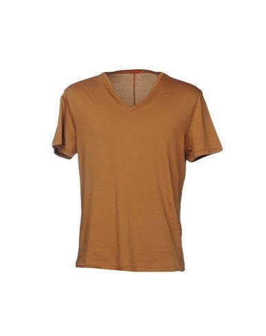 Фото - Женскую футболку BARENA коричневого цвета