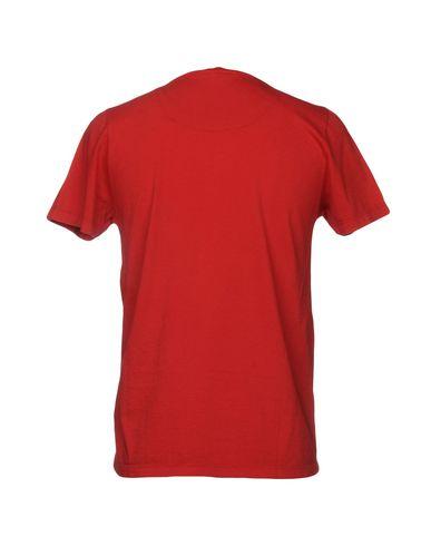 Фото 2 - Женскую футболку DIKTAT красного цвета