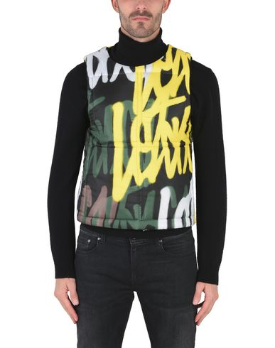 Фото 2 - Мужскую куртку LETASCA черного цвета