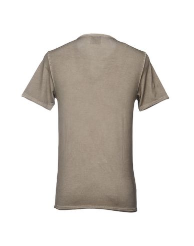 Фото 2 - Женскую футболку GRAN SASSO цвета хаки