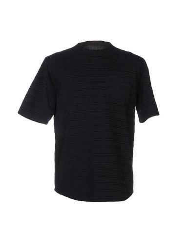 Фото - Женскую футболку THE GIGI темно-синего цвета