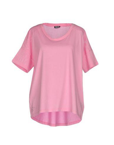 Купить Женскую футболку  розового цвета