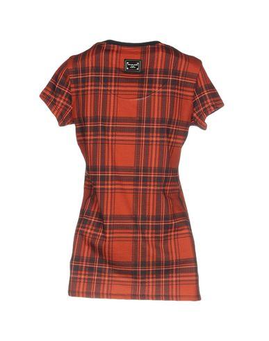 Фото 2 - Женскую футболку  красного цвета