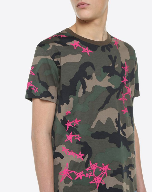 Camouflage T-shirt with Zandra Stars