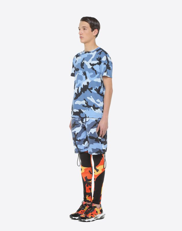 Camouflage-print T-shirt