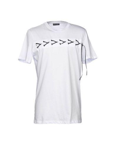 Фото - Женскую футболку DARK LABEL белого цвета