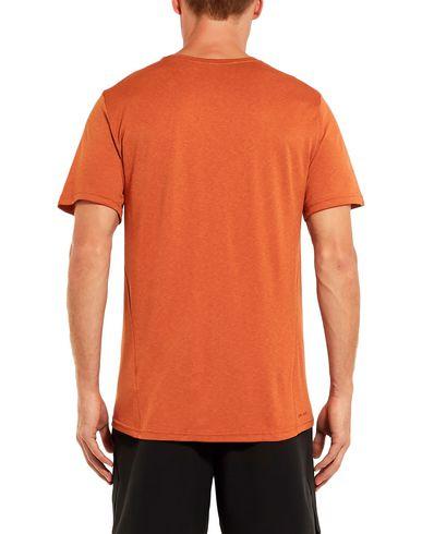 Фото 2 - Женскую футболку  ржаво-коричневого цвета
