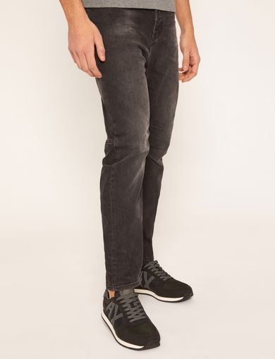 TAPERED FIT BLACK WASH JEAN