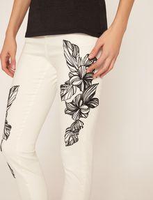 ARMANI EXCHANGE J10 SKINNY CROPPED FLORAL JEAN Skinny jeans [*** pickupInStoreShipping_info ***] b