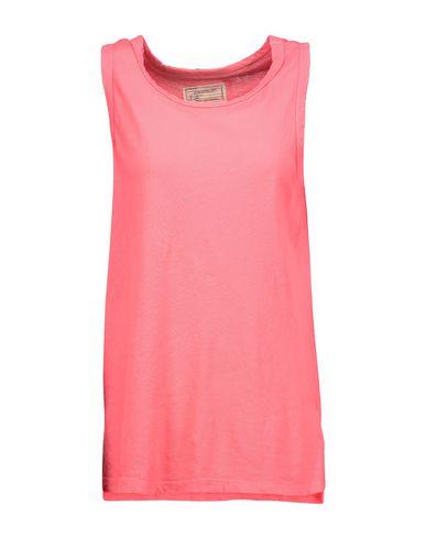 Купить Женскую футболку  кораллового цвета