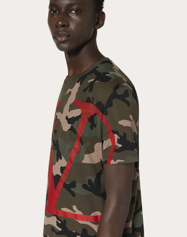 CAMOUFLAGE T-SHIRT WITH VLOGO