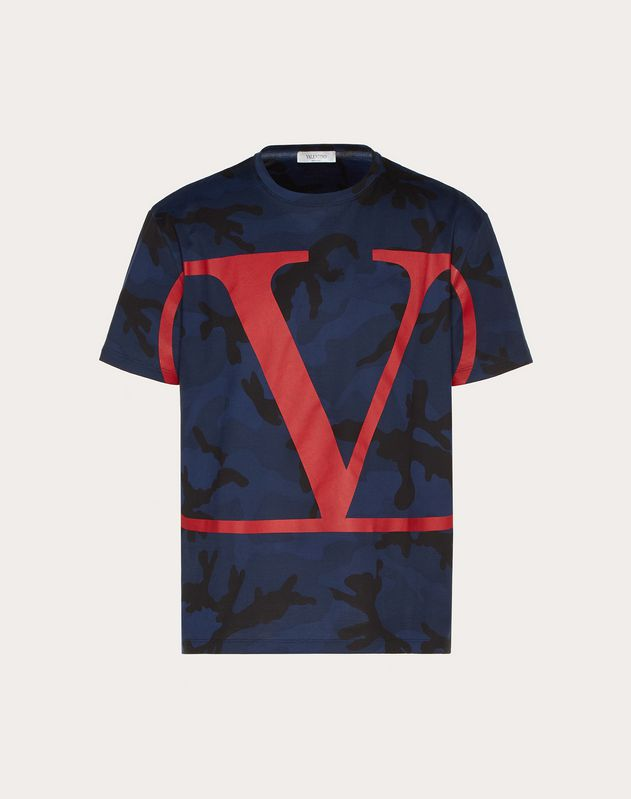 T-SHIRT IN CAMOUFLAGE-OPTIK MIT VLOGO