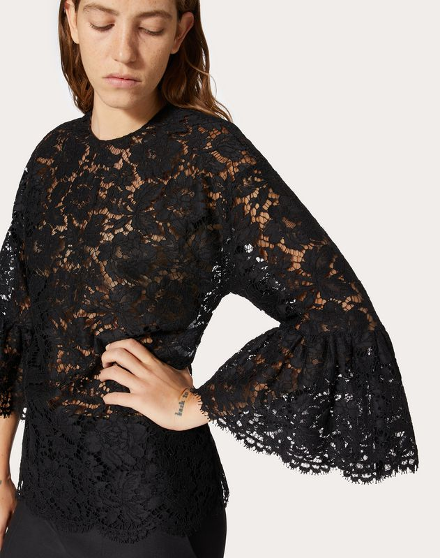 TOP IN HEAVY LACE
