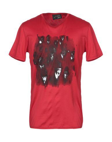 Купить Женскую футболку 24/7 SUITS красного цвета