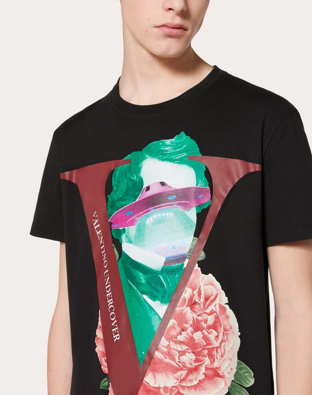 T-SHIRT WITH V FACE ROSE PRINT