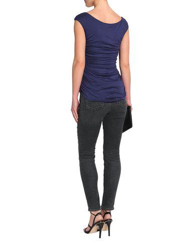 Фото 2 - Женскую футболку BAILEY 44 темно-синего цвета