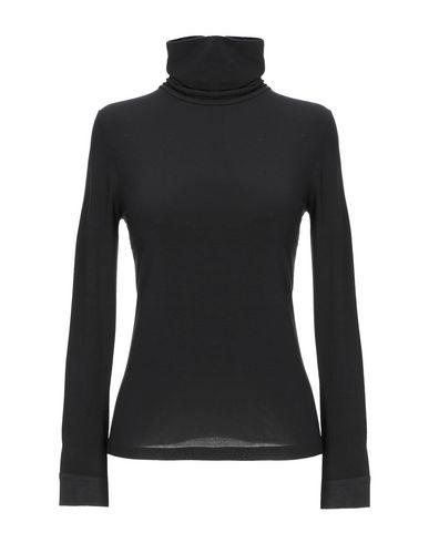 Купить Женскую футболку NATAN черного цвета