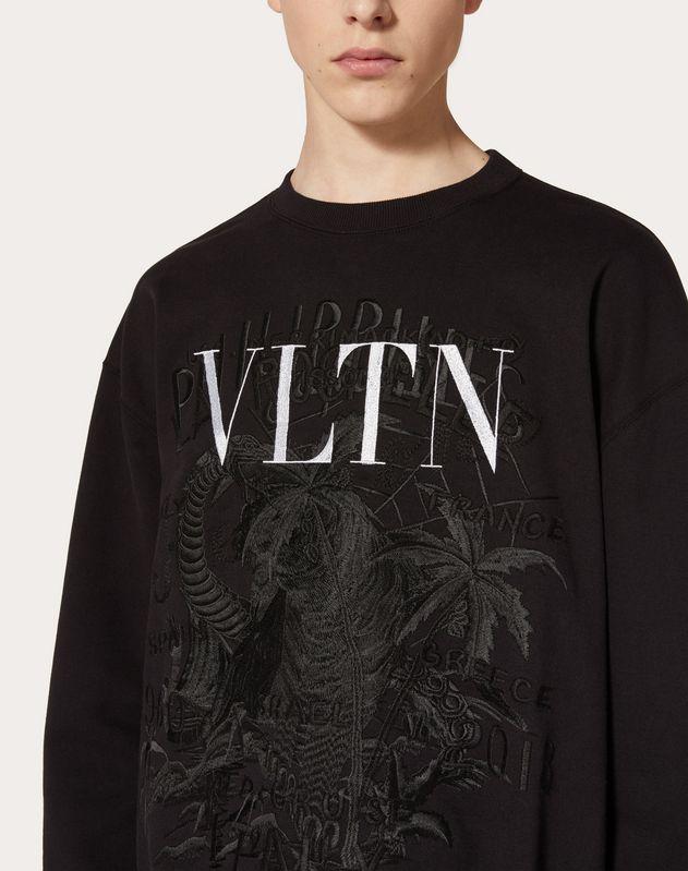 Sudadera VLTN con bordados en colaboración con Doublet