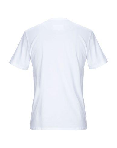 Фото 2 - Женскую футболку  белого цвета