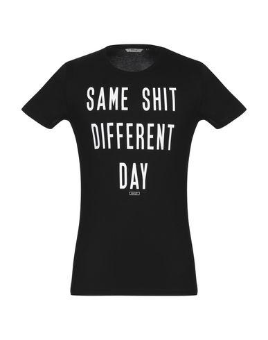 Фото - Женскую футболку RVLT/REVOLUTION черного цвета