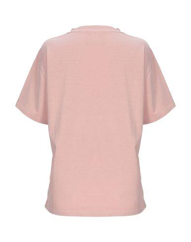 Фото 2 - Женскую футболку  пастельно-розового цвета
