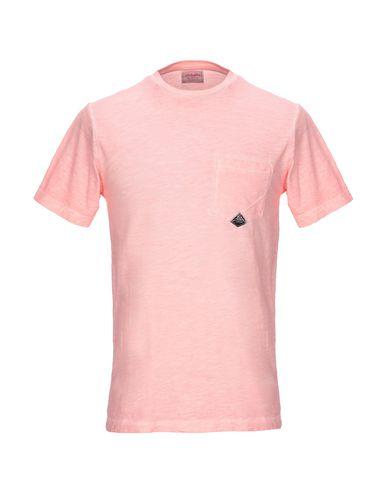 Фото - Женскую футболку  лососево-розового цвета