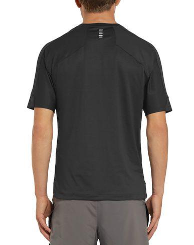 Фото 2 - Женскую футболку UNDER ARMOUR черного цвета