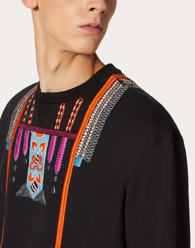 SWEATSHIRT WITH DECORATIVE EMBROIDERY