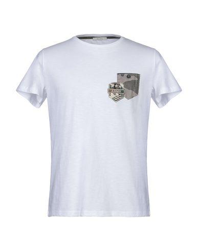 Фото - Женскую футболку BECOME белого цвета