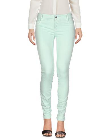 Фото - Повседневные брюки светло-зеленого цвета