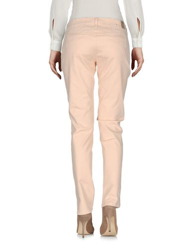 Фото 2 - Повседневные брюки светло-розового цвета