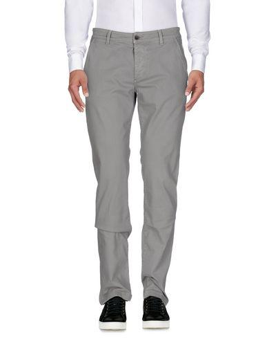 Фото - Повседневные брюки от CAMOUFLAGE AR AND J. серого цвета