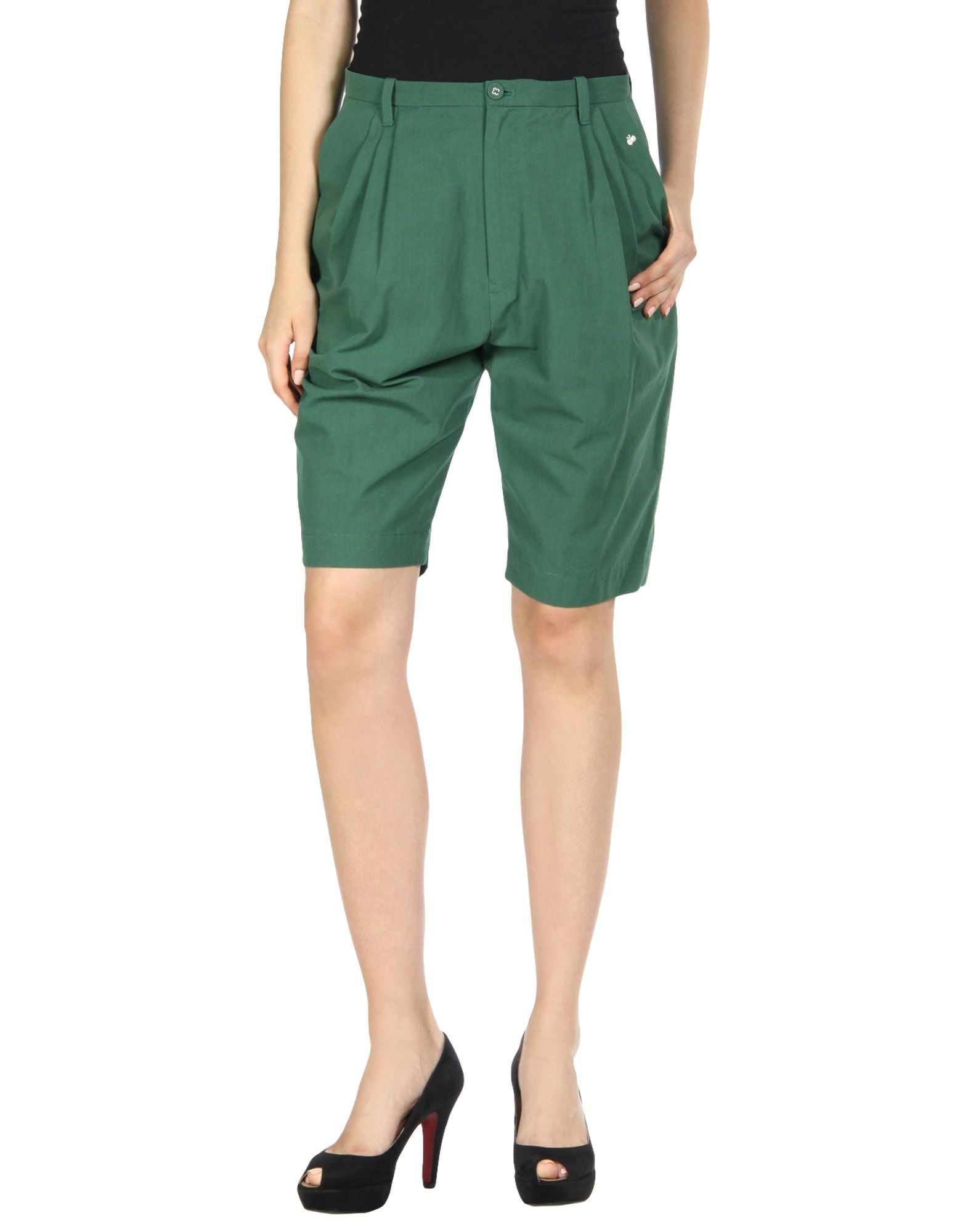 MINÄ PERHONEN Shorts & Bermuda in Green