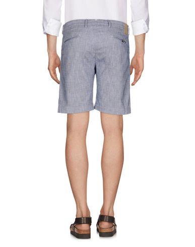 Фото 2 - Повседневные шорты от MICHAEL COAL синего цвета