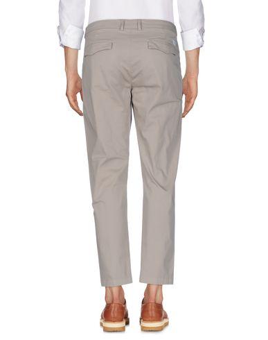 Фото 2 - Повседневные брюки от DEPARTMENT 5 бежевого цвета