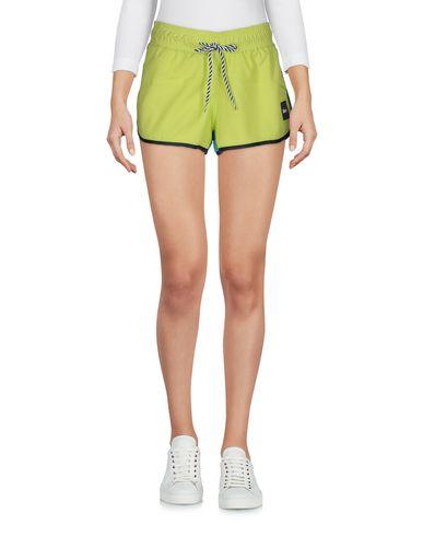 Фото - Повседневные шорты от SHOESHINE кислотно-зеленого цвета