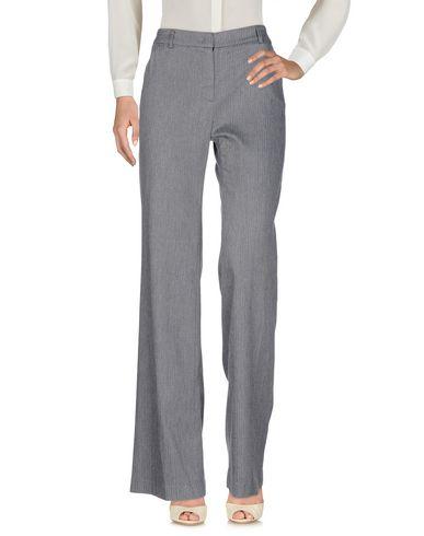 Фото - Повседневные брюки от GOTHA серого цвета