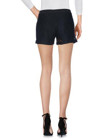 Фото 2 - Повседневные шорты от VDP CLUB черного цвета
